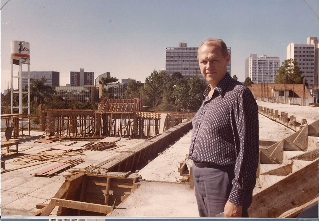 Laje e arquibancadas da construção do Ginásio - 1985
